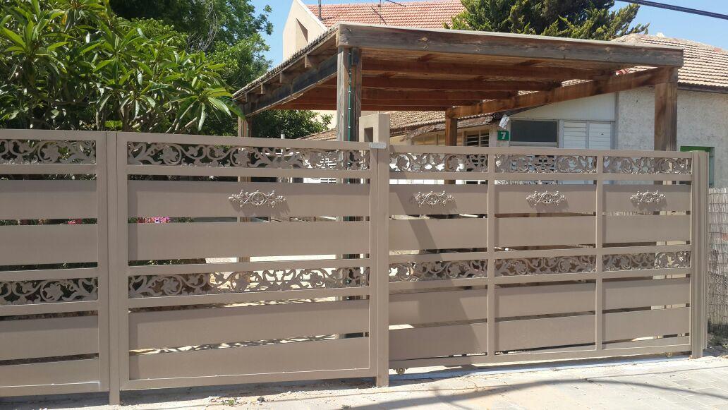 גדר ושער דגם יציקות אלומניום 2 - שערים וגדרות