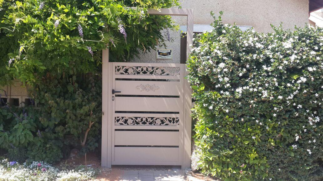 גדר ושער דגם יציקות אלומניום 4 - שערים וגדרות