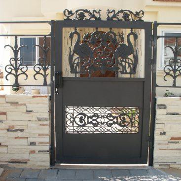 שער כניסה וגדר מעוצבים יציקות