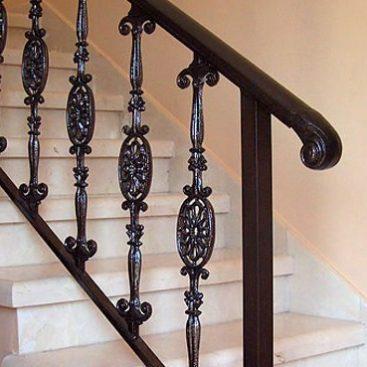 מעקה מדרגות מעוצב